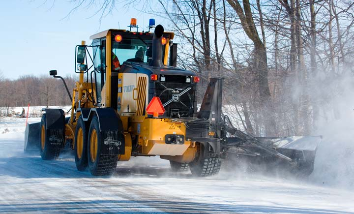 Public Works & Utilities Industry - Motor Grader snowplowing